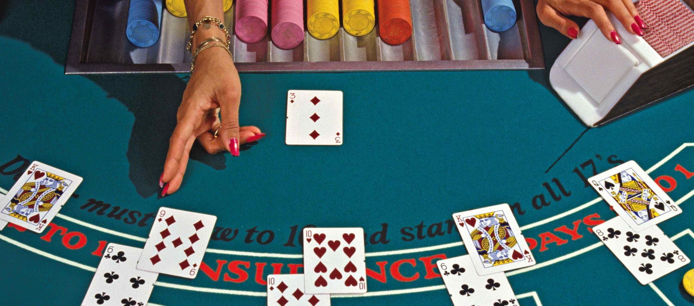 Blackjack : quelles sont les règles essentielles ?